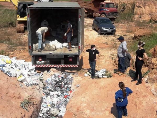 Polícia Civil promove destruição de DVDs piratas e máquinas caça-níqueis na Capital