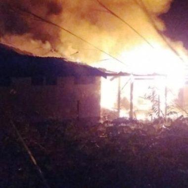 INCÊNDIO – Base de alojamento do Exército é destruída em Porto Velho