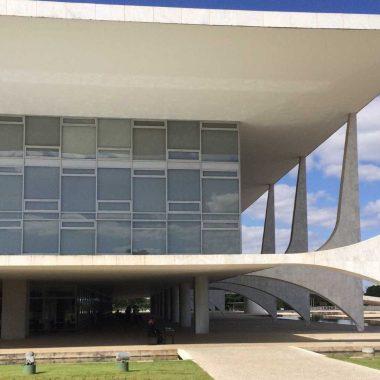 Motorista com sinais de embriaguez tenta invadir Palácio do Planalto