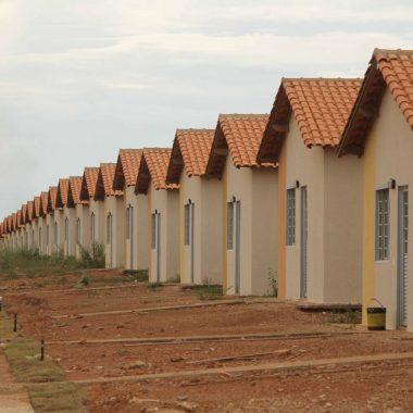 SEM ÁGUA – CAERD corta abastecimento de mais de 100 famílias em condomínio na capital