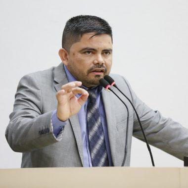 Projeto do deputado Jesuíno susta itens de edital do curso de formação de cabos e sargentos PM