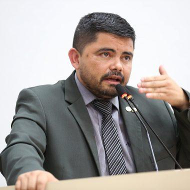 Jesuíno Boabaid alerta sobre utilização de decreto revogado em editais da PM