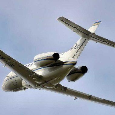 Avião cai em floresta na Suíça e deixa mortos