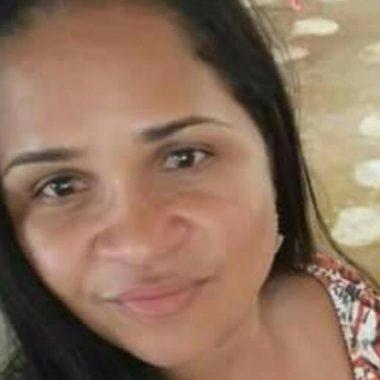 Familiares identificam mulher encontrada morta em balneário