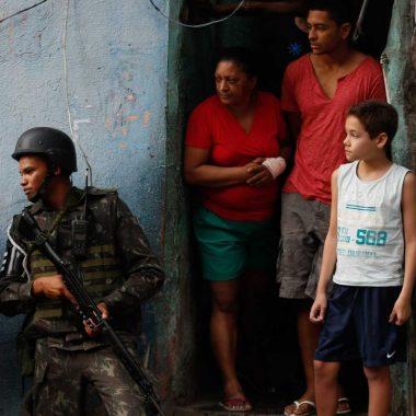VIOLÊNCIA – Agosto registra quase um tiroteio por hora no Rio, mostra aplicativo