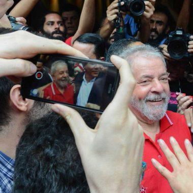 PT espera aval de Lula sobre substituição por Haddad