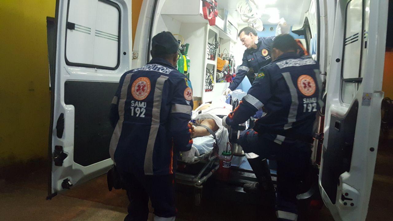 RIXA – Adolescente de 15 anos é esfaqueado em avenida da capital