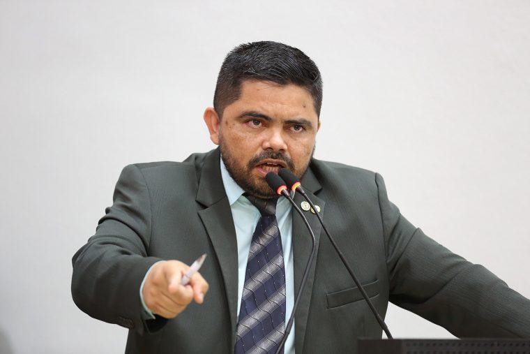 Jesuíno Boabaid repudia gestão do prefeito Hildon Chaves ao denunciar caos no JP II