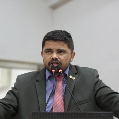 Deputado Jesuíno Boabaid destaca inoperância da Sesau quanto a obra do Heuro