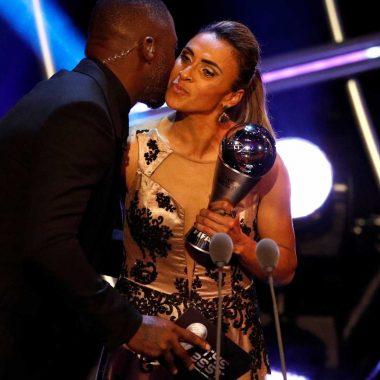 Marta vence prêmio Fifa de melhor jogadora do mundo
