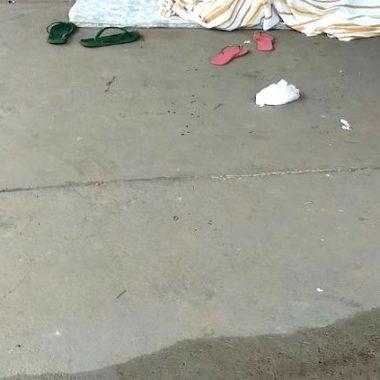 VIOLÊNCIA – Moradora de rua é atacada a pauladas enquanto dormia