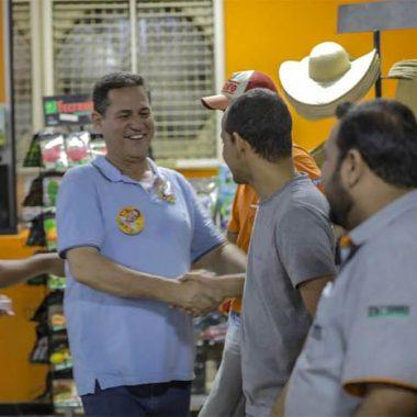 Na reta final, Maurão de Carvalho faz caminhadas e intensifica corpo a corpo com eleitores