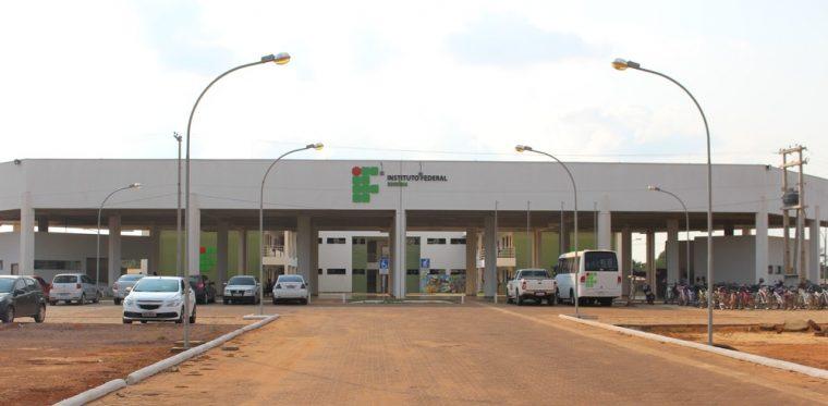 OPORTUNIDADE – Instituto Federal de Rondônia abre concurso com salários de até R$ 4,6 mil