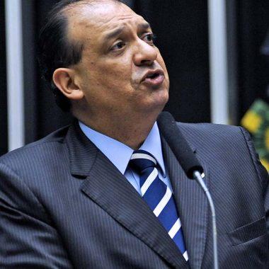 Deputado Nilton Capixaba se entrega à Polícia Federal, em Brasília