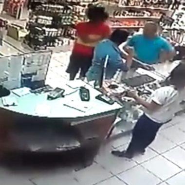 REINCIDENTE – PM prende suspeito de assalto em farmácia da zona Sul