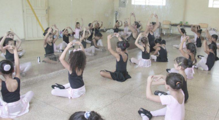 Inscrições em cursos de Ballet e musicalização começam nesta segunda