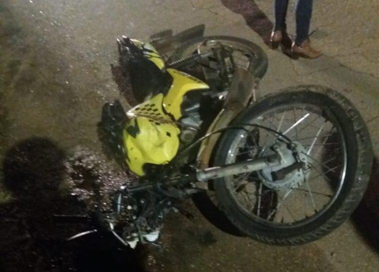 IMPRUDÊNCIA – Motorista de caminhonete avança cruzamento atropela e mata passageira de mototaxi