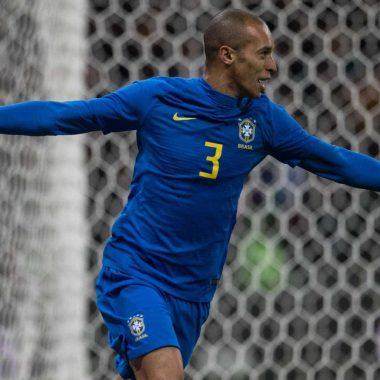 Flamengo faz proposta por Miranda, zagueiro da Inter de Milão