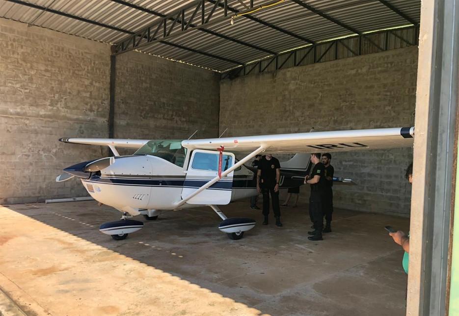 PF apreende avião que teria sido comprado com dinheiro desviado da Prefeitura