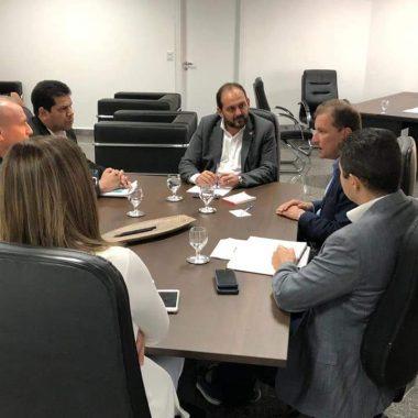 Laerte Gomes deputados e prefeito discutem melhorias para a capital durante reunião na ALE