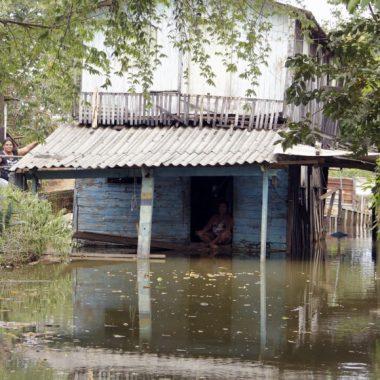 Cheia desabriga mais de 800 em Rondônia, Defesa Civil insiste que famílias evitem áreas de risco