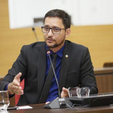 Deputado Anderson Pereira elogia DER por serviços de recuperação de vias estaduais