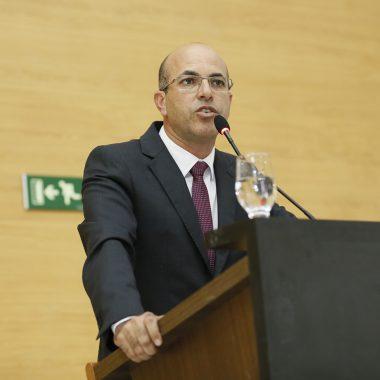 Deputado Ismael Crispin defende ações para solucionar problemas de estradas