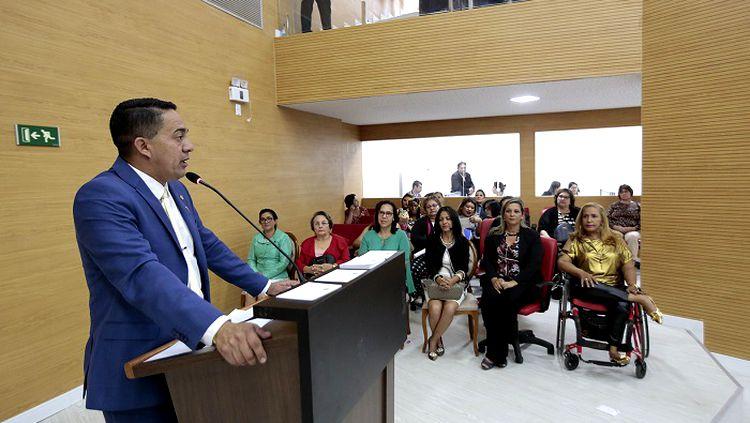 Deputado Sargento Eyder Brasil parabeniza e defende ocupação de mulheres no poder