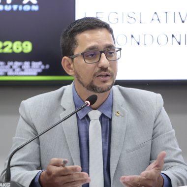 Anderson Pereira cobra explicações sobre interdição do Mercado Municipal de Guajará-Mirim