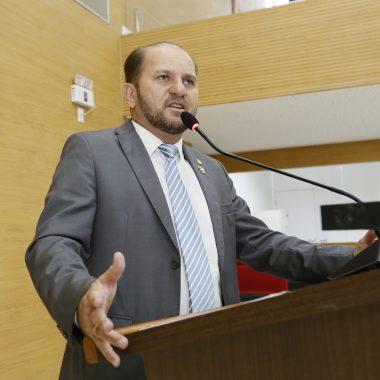 Cirone Deiró agradece secretário da Sefin por atender pedido dos deputados em adiar aumento do MVA