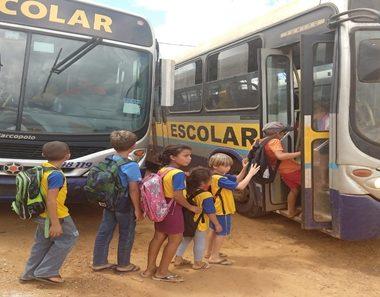 MP dá prazo de 15 dias para SEMED regularizar de transporte escolar, sob pena de nova ação judicial