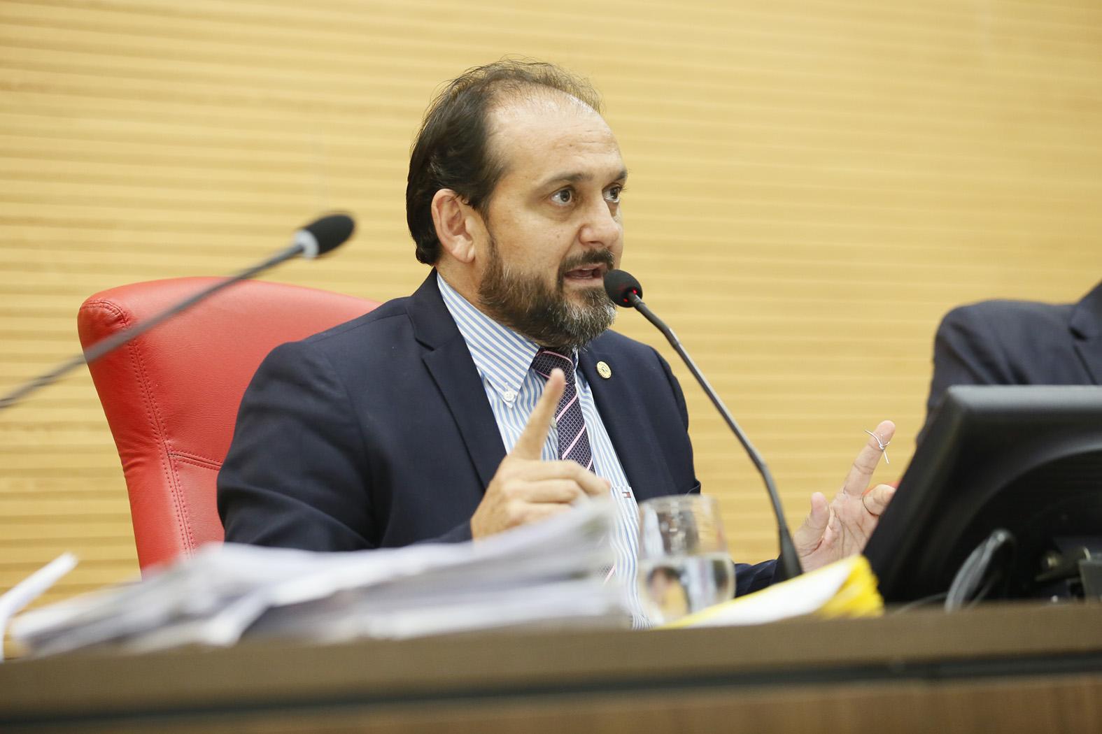 Presidente Laerte Gomes cobra recuperação de rodovias estaduais em reunião com diretor do DER