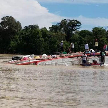 Confirmado seis pessoas desaparecidas após naufrágio de barco