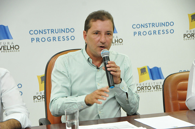 Prefeitura agiliza projeto de Parceria Público Privado para fornecer água tratada e esgoto