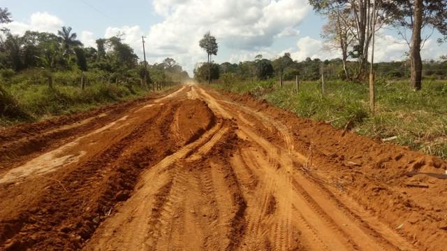 Prefeitura começa trabalho de recuperação de vias urbanas e rurais em Extrema