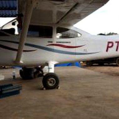 Quadrilha fortemente armada invade hangar de fazenda e rouba avião
