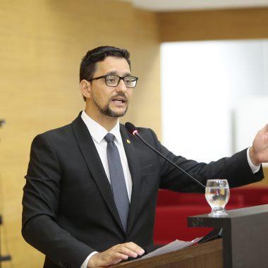 Anderson Pereira recebe posicionamento sobre transporte escolar fluvial dos distritos de Calama e São Carlos