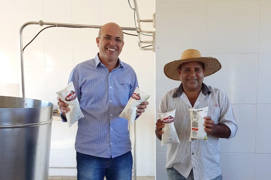 Deputado Ismael Crispin visita agroindústria em São Francisco do Guaporé