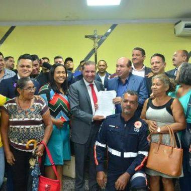 Prefeito Hildon Chaves entrega à Câmara projeto que propõe reajuste salarial aos servidores