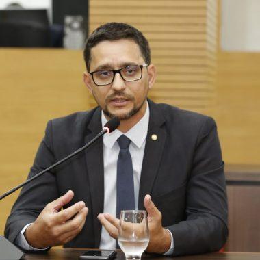 CAPACITAÇÃO – Deputado Anderson indica curso de Libras para servidores do sistema prisional por meio da Escola do Legislativo