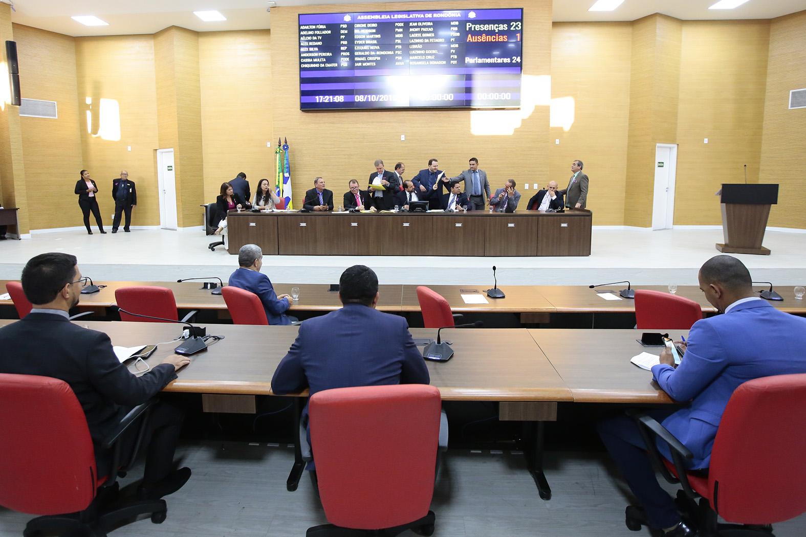 Matérias de iniciativa dos parlamentares são aprovadas na Assembleia Legislativa