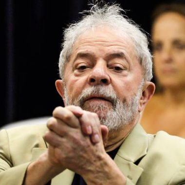 Juiz manda soltar Lula após 580 dias de prisão em Curitiba