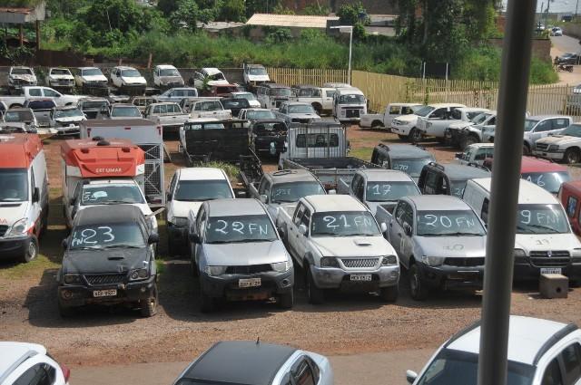 Prefeitura de Porto Velho realiza leilão de veículos e equipamentos