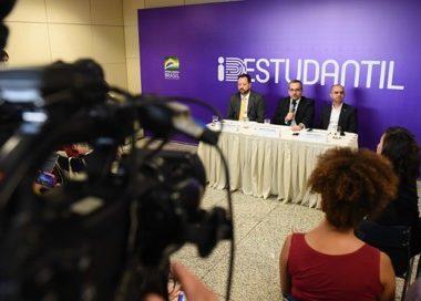 Governo Federal lança carteirinha estudantil de graça