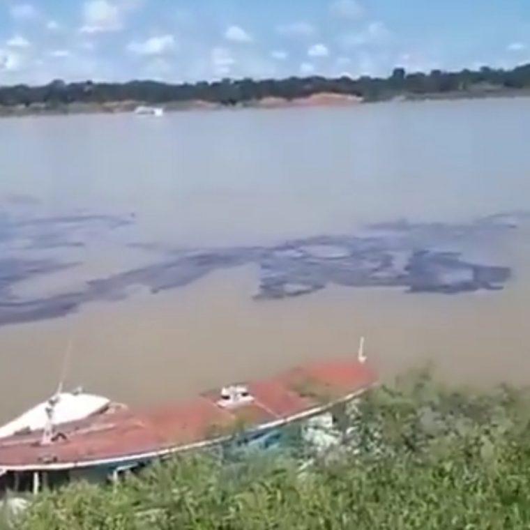 Marinha emite nota oficial e descarta poluição hídrica com manchas de óleo no Rio Madeira