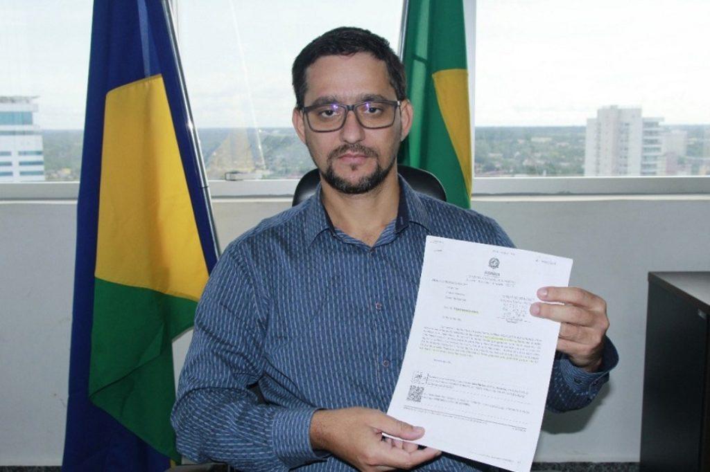 """Assembleia aprova projeto de Anderson Pereira que institui o """"Dia Estadual do Vigilante"""" em Rondônia"""