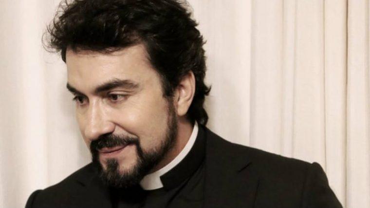 Padre Fábio de Melo tem crise antes de show: Fantasma do pânico me revisitou