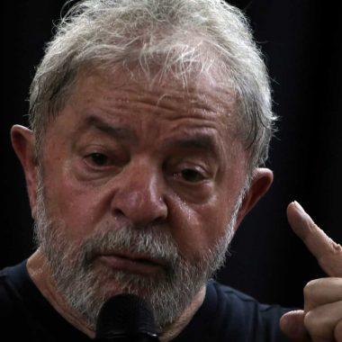 Lula ataca Lava Jato e diz não ser pombo para usar tornozeleira