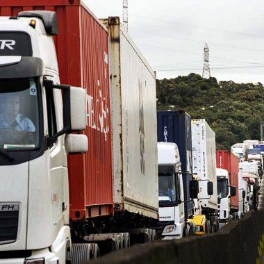 Caminhoneiros ameaçam novo protesto nacional