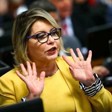 TSE determina cassação de senadora e nova eleição no Mato Grosso
